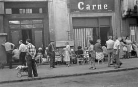 Bancuri din Epoca de Aur  sau cum făcea haz de necaz românul pe vremea lui Ceaușescu