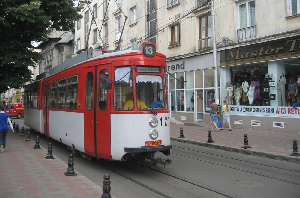 Tramvaiele si autobuzele CTP Iasi nu vor circula vineri prin Piata Unirii intre orele 7.00-15.00