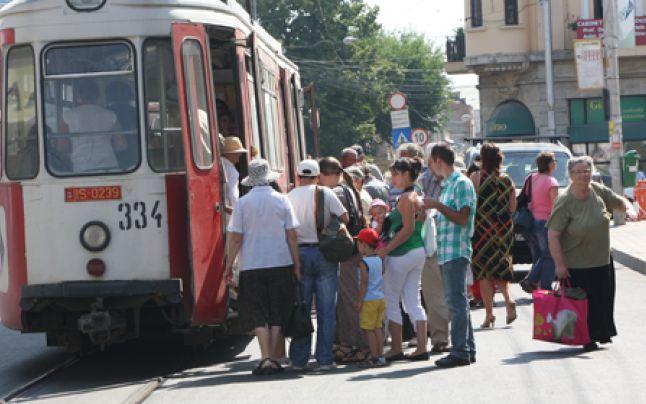 Iesenii vor avea acces in tramvaie si autobuze doar dupa ce li se vor lua temperatura