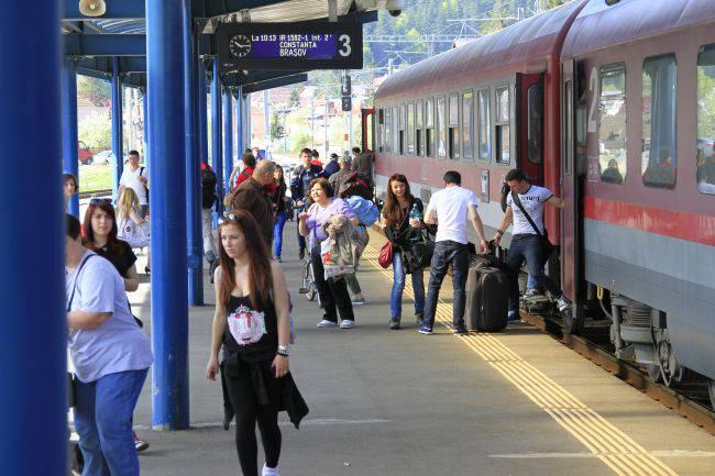 Trenuri special comandate pentru deplasarea credinciosilor spre Iasi, cu prilejul vizitei Papei