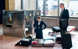 Marius Bodea iti da valiza! Marketing de doi lei – faci o declaratie de iubire in terminalul Aeroportului Iasi si castigi o valiza