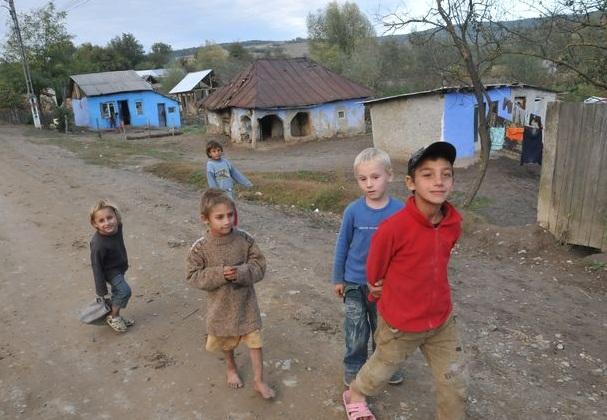 """România a pierdut două locuri în clasamentul mondial privind siguranta copilăriei,  conform Raportului global Save the Children """"Multiplele chipuri ale excluziunii"""""""