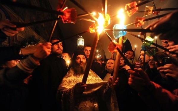 Sfanta Lumina de la Ierusalim ajunge si la Iasi