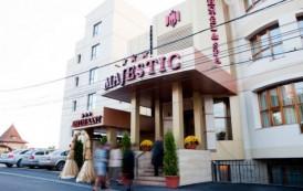Hotelul Majestic, noua locuinta a primarului. Finul lui Nichita obtine o autorizatie pentru construirea unui turn langa Palas.