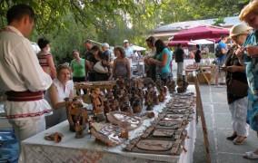 "Targul International de ceramica traditionala ""Cucuteni – 5000"" revine in Gradina Copou"