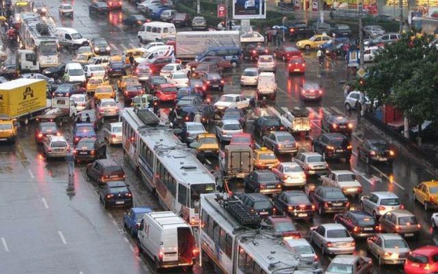 Deblocarea orasului in varianta useristilor din Comisia de Urbanism - studii de trafic pentru imobiliari, parcari subterane, benzi unice in oras si benzi pentru biciclisti in centru