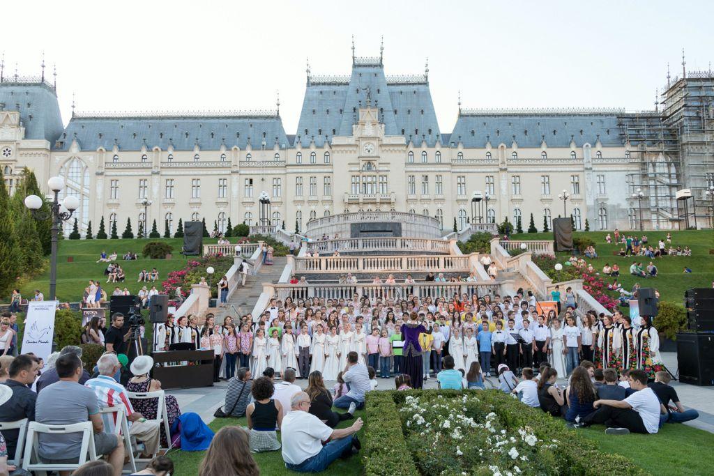 Spectacole de teatru, concert coral si alte evenimente, in week-end, la Palas Mall