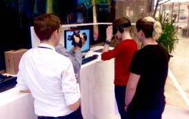 Calatorie cu roller coaster sau zbor pe aripa unui avion, experimentate prin tehnologia Oculus, in Palas Mall