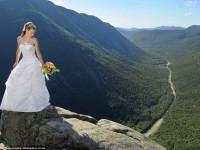 miri-cu-adrenalina-sedinta-foto-dupa-nunta-realizata-deasupra-unei-prapastii