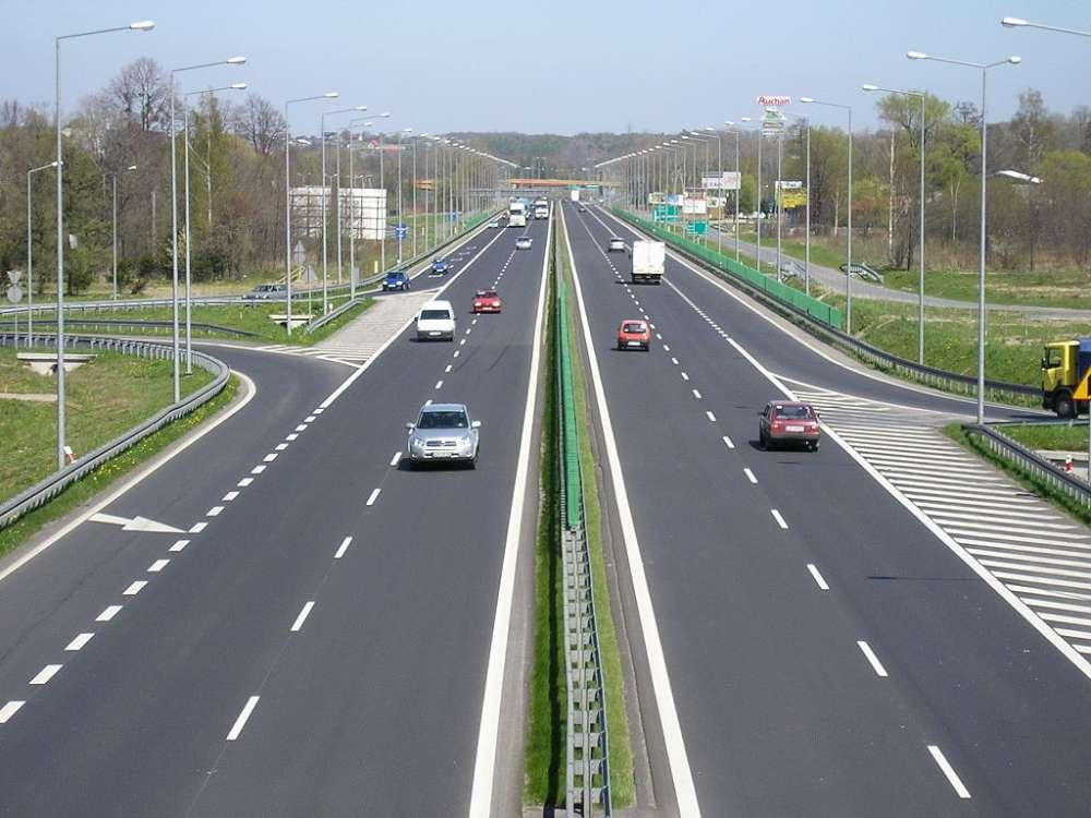 A fost semnat contractul pentru serviciile de proiectare Axa rutieră strategică 1 Iași – Suceava
