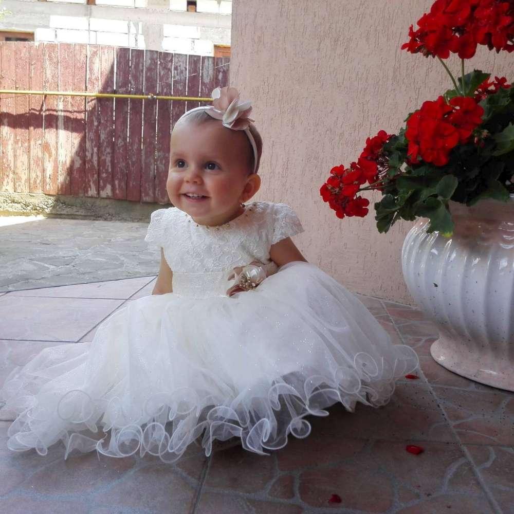 Viata unei fetite de 2 ani cu o boala extrem de rara poate fi salvata cu un simplu SMS