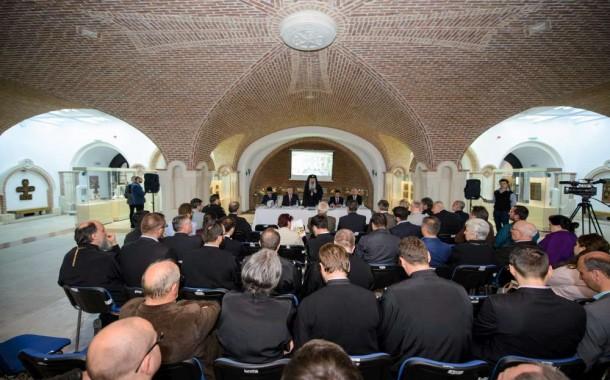 FOTO. Mitropolia Moldovei si Bucovinei, inaugurata pe ascuns. Imagini din subsolul catedralei in care doar popii au avut acces