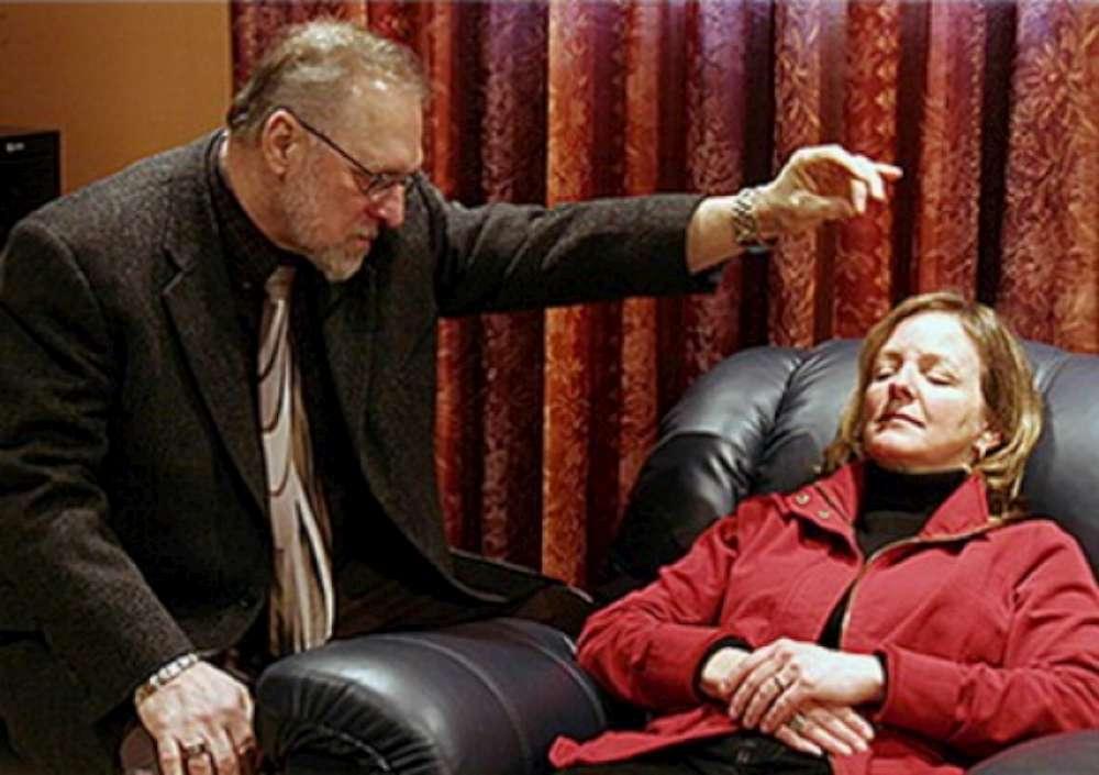 Human Behavior Institute Center lansează un program de hipnoza si citire a gandurilor dupa miscarile faciale si limbaj