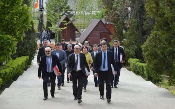 Maricel Popa este noul presedinte al CJ Iasi. Victorel Lupu si Victor Chirila vor asigura functiile de vicepresedinti