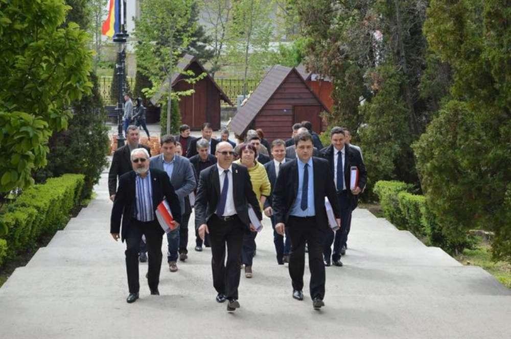 Dupa ce au pierdut Primaria si CJ-ul, Popa si Gavrila joaca ultima carte pe parlamentare