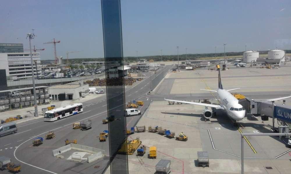 Dezbatere public a pe PUZ-ul privind extinderea Aeroportului Iasi
