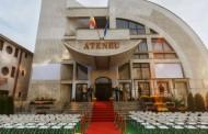"""La Ateneul din Iasi se reiau """"Serile filmului romanesc"""". Spectacole de teatru si lansari de carti despre tehnici de vindecare"""