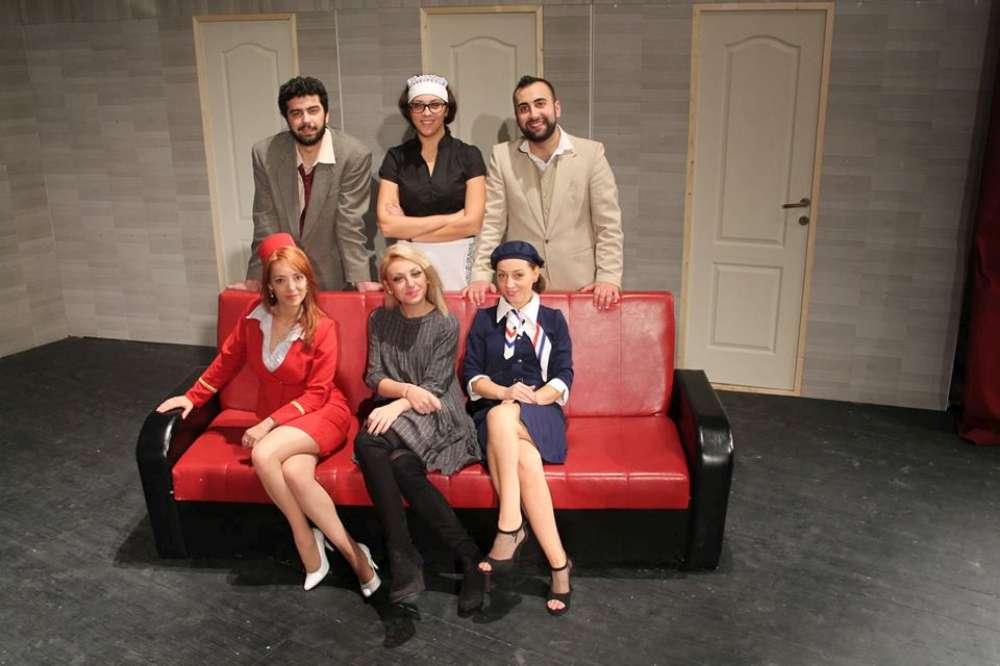 """Premiera spectacolului de teatru """"Atentie, aterizăm!"""", maine seara, la Ateneu"""