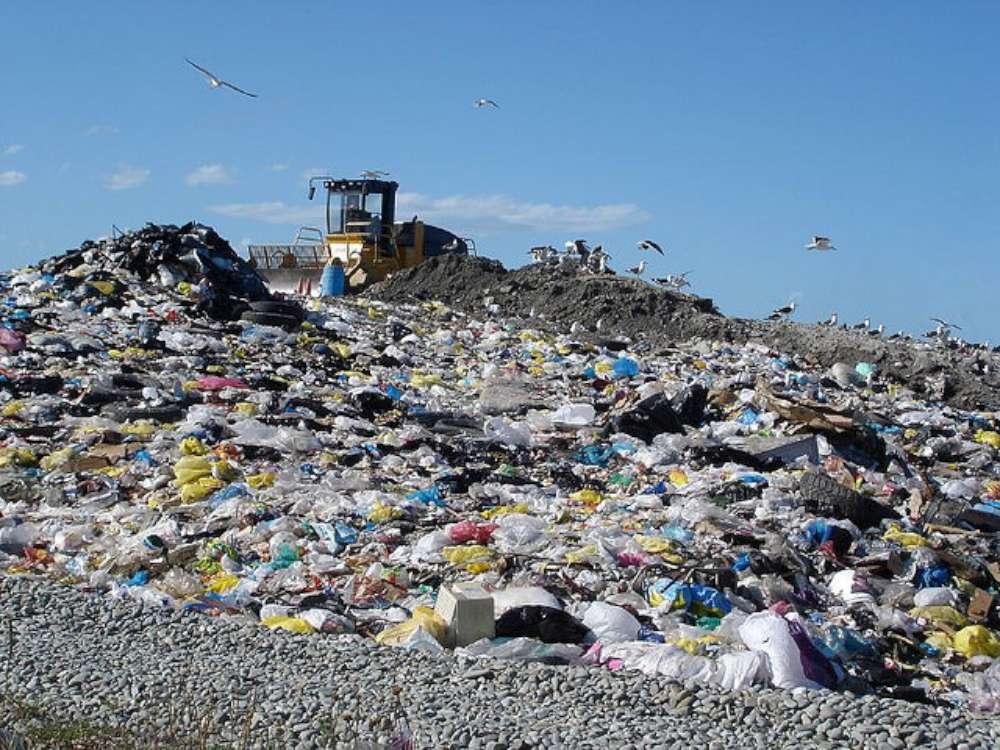 Contract de 15 milioane de euro pentru colectarea și transportul deșeurilor din judetul Iasi