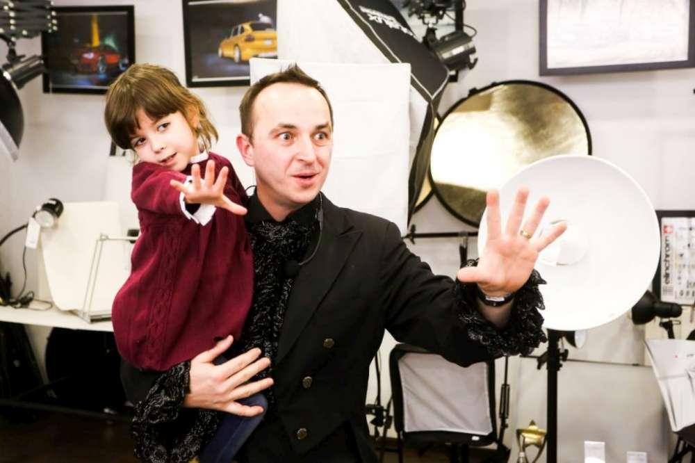 """Fascinanta poveste a Magicianului Augustin: """"De la un joc de copii la un destin magic"""""""