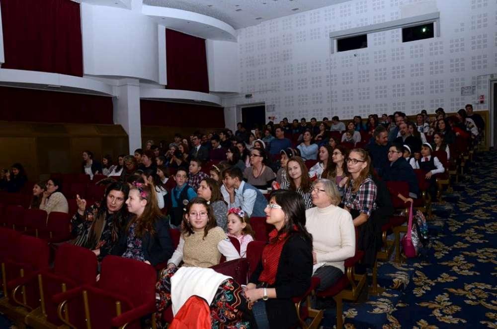 Artiştii Ateneului ieşean, reuniţi într-o acţiune umanitară