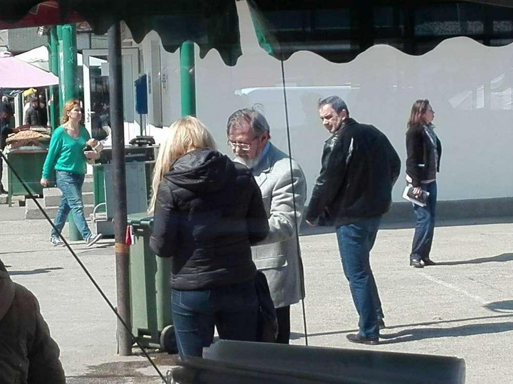 Ipostaze inedite cu un director al Primariei. Platit cu peste 1000 de euro de la buget pentru a-i satisface mofturile iubitei (Galerie FOTO)
