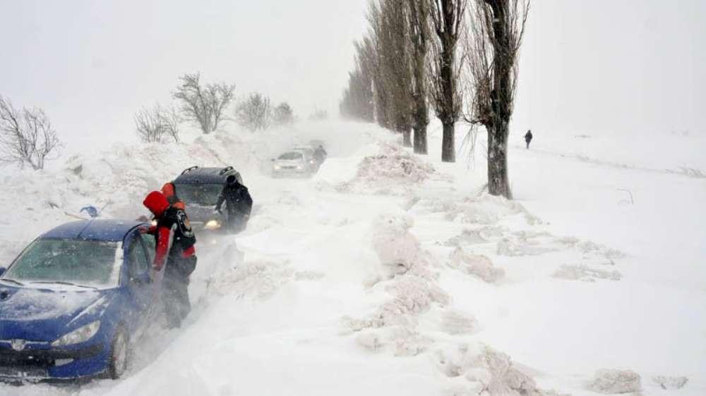 Cod galben de ninsori şi viscol în Iasi si alte 5 judete din Moldova, din această seară