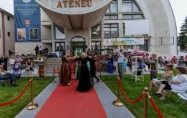 Două prințese ajung în weekend la Ateneu