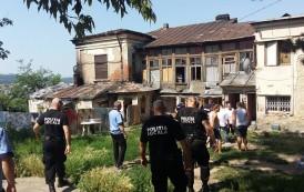 Evacuare in forta a tiganilor care locuiau in cladirea-scoala in care a predat prima oara Ion Creanga