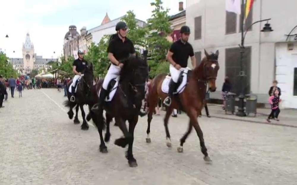 Bombă! Accesul cailor Poliţiei Locale în oraş este interzis. Juristii Primariei au uitat sa anuleze efectele unei hotarari de CL din 2000