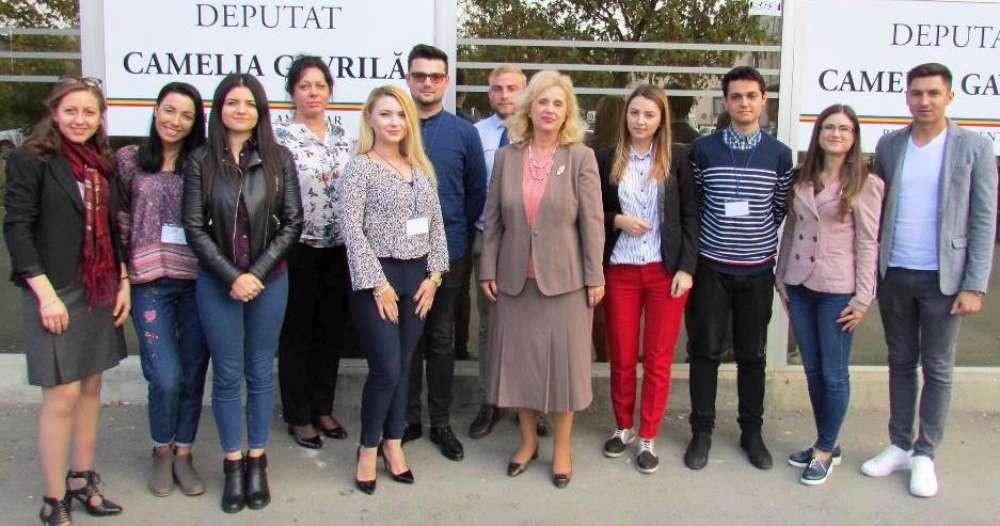 Primii studenti admisi la Școala Politică Iași 21, proiect de burse și internship coordonat de Camelia Gavrilă