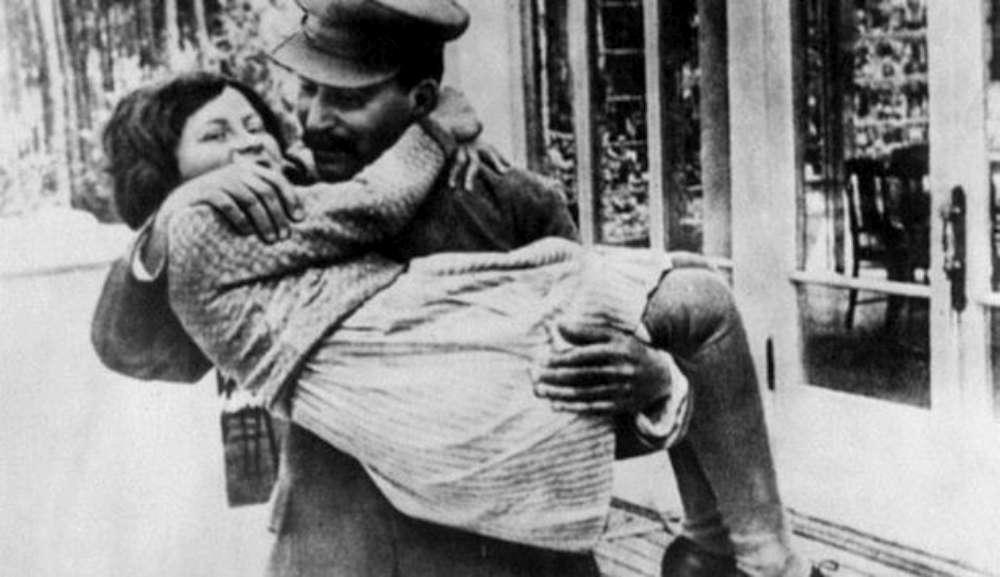 Momentul de cumpana din viata lui Stalin. Ce a descoperit liderul sovietic despre sotia sa cand s-a intors de la o petrecere