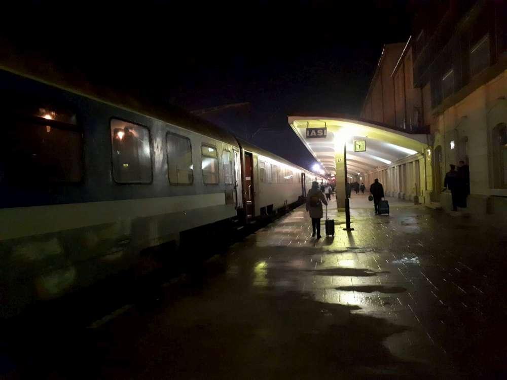 Gara Iasi, cel mai nesigur loc din capitala Moldovei. Batrana violata de un boschetar care umbla bine mersi in libertate