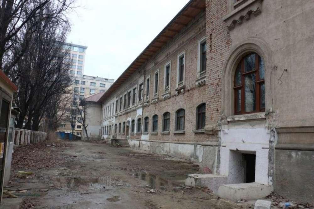 Încep lucrarile la viitorul sediu al Consiliului Judetean Iasi, dupa 7 ani de amanari si 2 milioane de euro pierdute