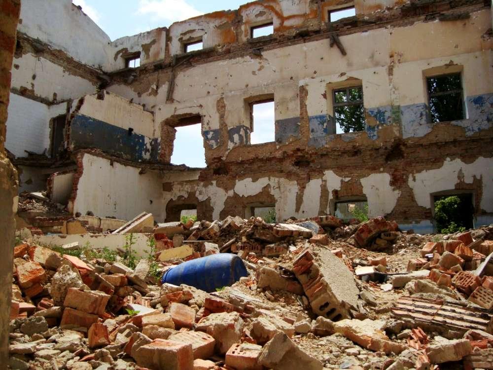 Amenda record data miliardarului Ioan Niculae de catre Primaria Iasi, in cazul distrugerii Fabricii de Tigarete