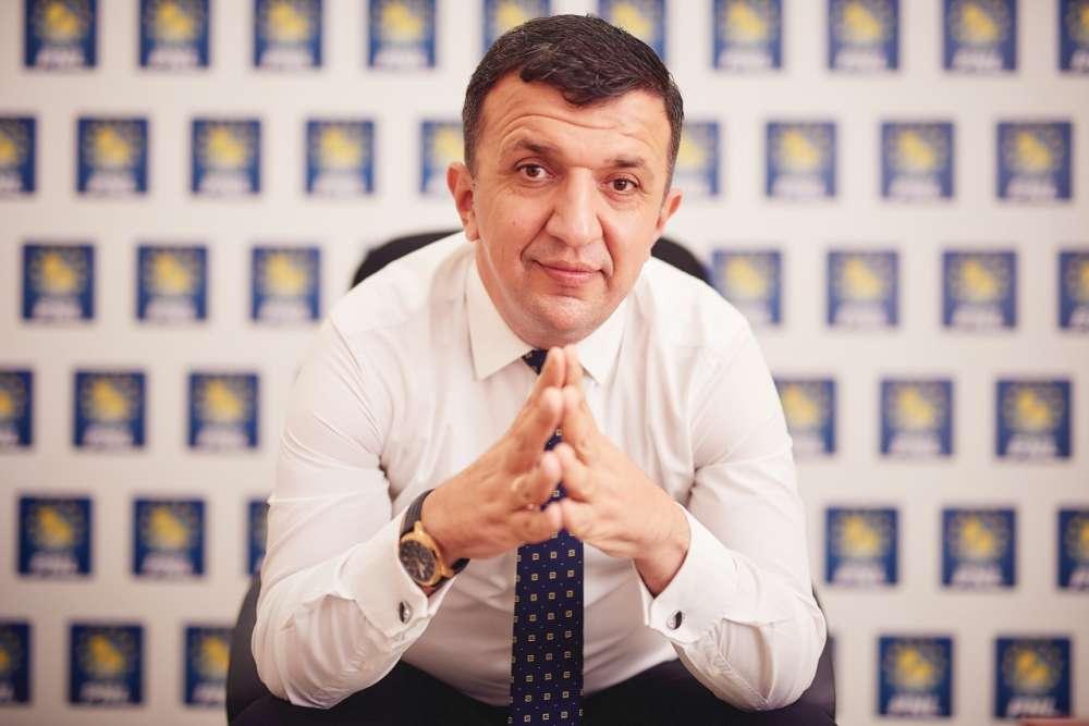 George Ivașcu, actorul figurant din dramoleta regimului Dragnea
