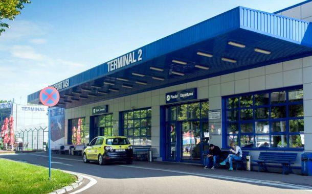 Aeroportul Iasi – o cloaca infecta condusa de un politruc. Un aeroport international de lumea a treia