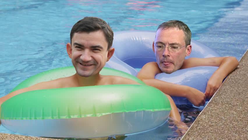 Chirica si cumatru Harabagiu s-au balacit in piscina afaceristului Zamosteanu, cu o seara inainte de schimbul de terenuri din centrul Iasului