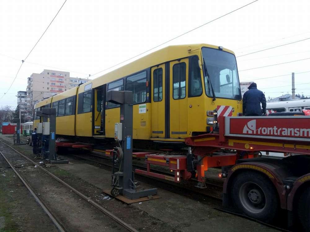 Inca trei tramvaie din Germania au ajuns in depoul CTP Iasi