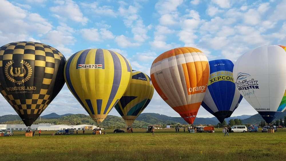 """12 baloane din 6 tari, pregatite pentru """"Magia baloanelor – festival al baloanelor cu aer cald"""""""