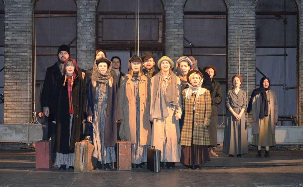 Peste 20 de reprezentatii teatrale in luna octombrie, pe scena Nationalului iesean