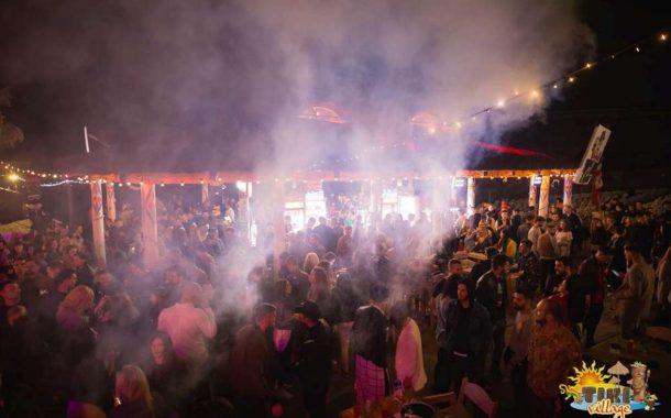 Fiasco la deschiderea Tiki Village. 10 ospatari la 4000 de oameni, muzica proasta, toalete asaltate, profit- doua vile intr-o seara