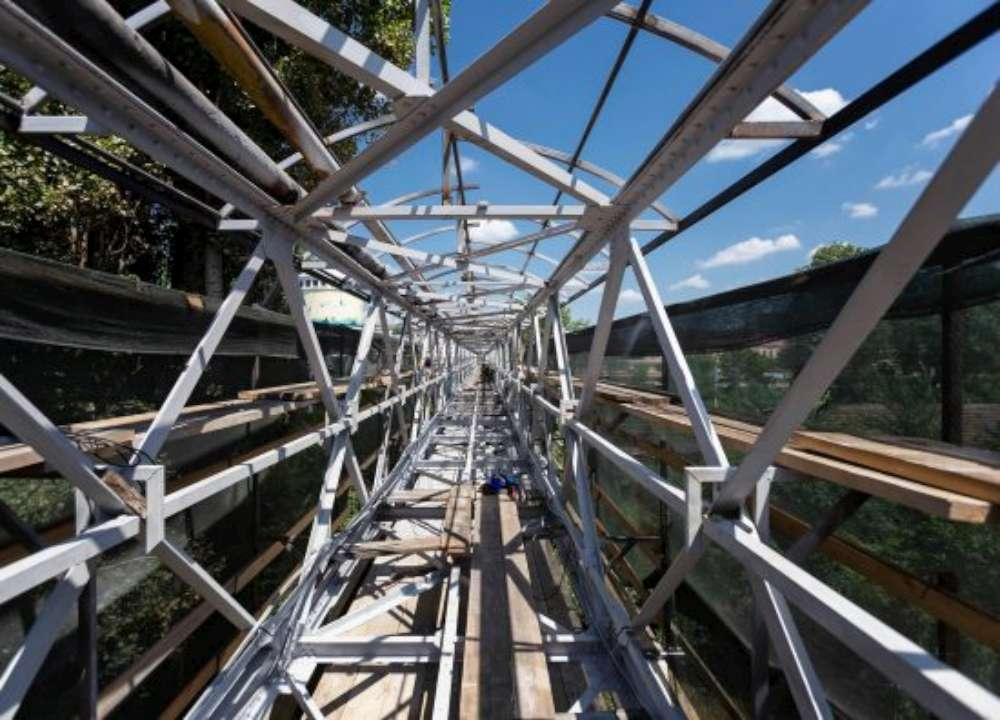 Iata cum va arata pasarela pietonala de la Gara. Pereti de sticla securizati vor proteja pietonii de intemperii