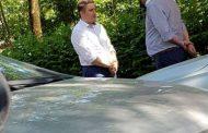 "Pentru cativa arginti. Directorul unui ziar local, umilindu-se in ""pozitia ghiocel"" in fata unui lider PSD"