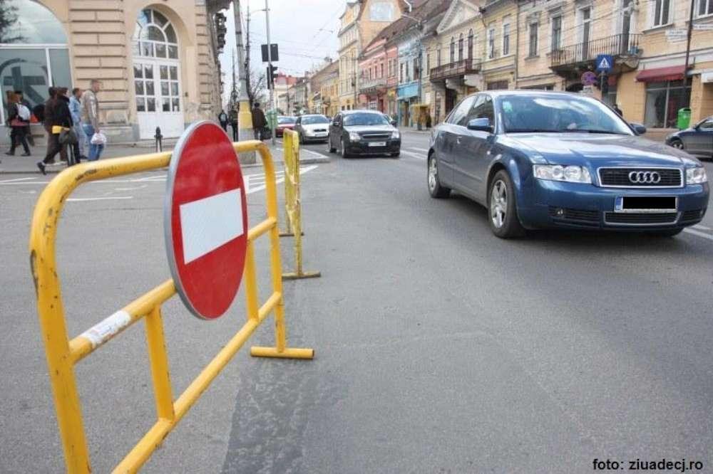 Reparatii si restrictii de circulatie pe strada Ovidiu si stradela Clopotari
