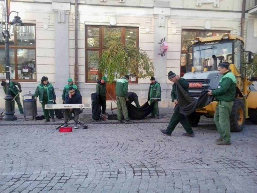Servicii Publice Iasi face angajari. Se cauta 30 de muncitori necalificati, electricieni, instalatori si peisagisti
