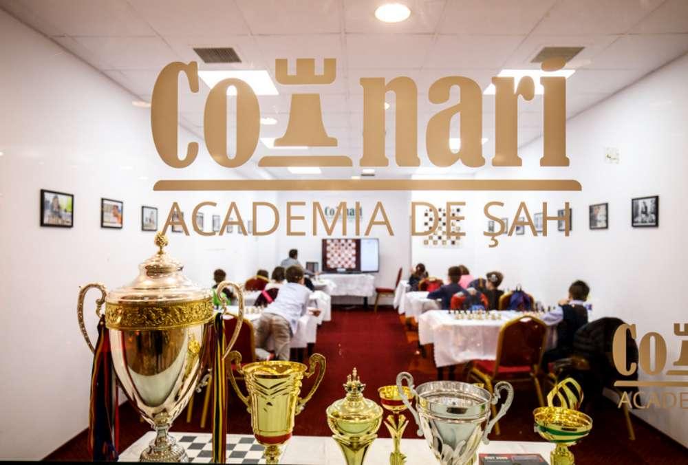 La Iulius Mall Iasi s-a deschis o sala de cursuri dedicate sportului mintii a Academiei de Sah