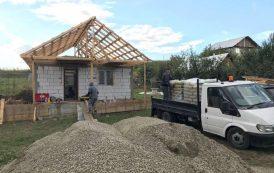 VIDEO. Casa cu panouri fotovoltaice si spatiu de joaca pentru copiii familiei Lazar din Holboca
