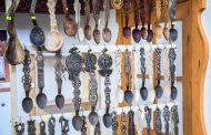 Targ al mesterilor populari si bunatati traditionale, la Palas
