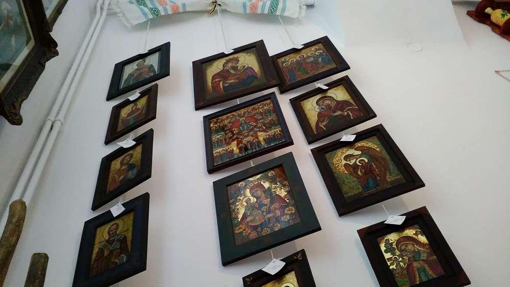 FOTO. Expozitie de icoane cu vanzare la Galeriile Sofiana din Iasi